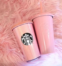 No girl can have to much pink Copo Starbucks, Bebidas Do Starbucks, Starbucks Tumbler, Starbucks Drinks, Starbucks Coffee, Pink Starbucks Cup, Coffee Coffee, Coffee Cups, Pink Love