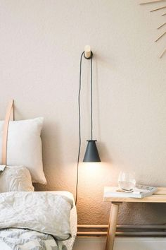 Smart Home: How a lighting system makes everyday life easier for us .- Smart Home: Wie ein Beleuchtungssystem uns den Alltag erleichtert Do DIY wooden wall hooks yourself Diy Wall Hooks, Wooden Wall Hooks, Wooden Walls, Wooden Diy, Wooden Crafts, Diy Wand, Cute Dorm Rooms, Cool Rooms, Decoration Bedroom