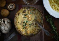 Tárkonyos csirkeragu recept képpel. Hozzávalók és az elkészítés részletes leírása. A tárkonyos csirkeragu elkészítési ideje: 55 perc