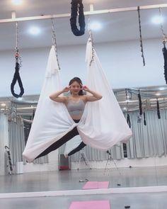 #나비넥타이 🎀🎀🎀🎀🎀 더예쁘게 만들어야대는데 금욜인관계로 빠른퇴근~^*^ ⠀⠀⠀⠀⠀⠀⠀⠀⠀⠀⠀⠀⠀⠀⠀⠀⠀ #flyingyoga #yoga#yogini#aerialyoga#aerialsilks… Aerial Hammock, Aerial Silks, Aerial Yoga, Air Yoga, Yoga Poses, Dance, Dancing