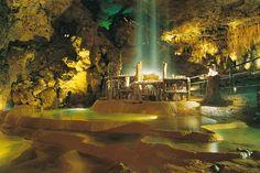 Devils Hole Cave | Périgord : Gouffre-de-Proumeyssac- Grottes et gouffres- Dordogne ...