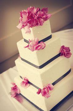 This cake is gorgeous! Photo by Tom. #WeddingCakes #WeddingPlannersMN
