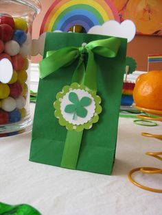 St. Patrick's Day Shamrock Treat Bags, St. Patrick's Day Paper Crafts, St. Patrick's Day Party Ideas  #st  #patrick #food #dessert #decor #ideas www.loveitsomuch.com