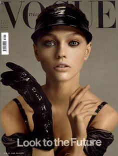 Vogue magazine covers - mylusciouslife.com - Vogue Italia December 2005 - Sasha.jpg