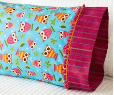 Pillowcase Owl Adorned - link to article <3 so many adorable DIY ideas x