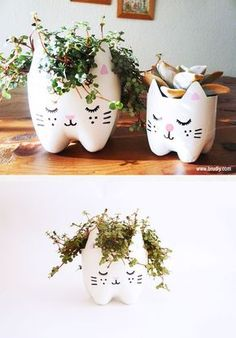 DIY Cat planter using recycled soda bottles upcycle Cute Crafts, Creative Crafts, Diy And Crafts, Crafts For Kids, Diy Projects To Try, Craft Projects, Recycler Diy, Soda Bottles, Plastic Bottles