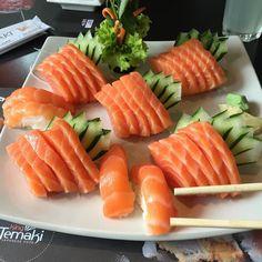 Pra seguir no ritmo... Pós-treino caprichado... #kingtemakibatel #sashimi #japafood #salmon #postreino by tiago.tlr