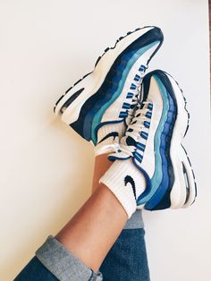 Adidas Women Shoes Nike Air Max 95 - We reveal the news in sneakers for spring summer 2017 Sock Shoes, Cute Shoes, Me Too Shoes, Women's Shoes, Fall Shoes, Adidas Shoes Women, Nike Women, Vans Women, Gucci Sneakers
