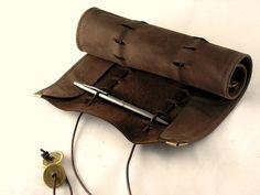 Federmäppchen - Rollbeutel aus Nubuk-Leder - ein Designerstück von Huhnikate bei DaWanda