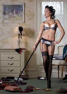 This is what every women should wear when cleaning the house... ;)