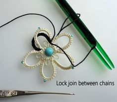 A simple flower idea, tatted with a bead in the center., with an extra row of petals, interlocking Celtic style.               This green...
