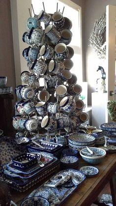 Op deze site vind je een kleine greepuit ons assortiment, voorkeur voor mediterraan, niet alledaags, met liefde en passie uitgezocht landelijke decoratie`s , op zoek naar dat wat net iets meer uitstraling heeft!! Al meer dan 15jaar zijn wij de winkel in huiselijke sfeer waar je zijn moet, liefelijk ...handgemaakt servies van Bunzlau Castle, bijpassende vaatdoeken, stoer gietijzer,ambachtelijk smeedijzer franse brocante,tuindecoratie, franse zeep, en nog veel meer....