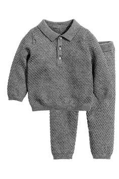 Pull et pantalon en maille: EXCLUSIVITÉS BÉBÉ/CONSCIOUS. Ensemble à motif…