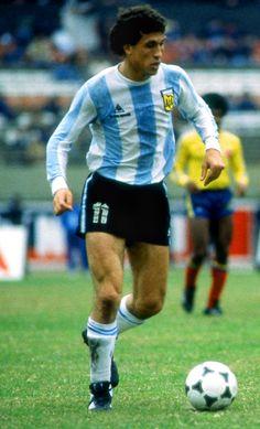 Jorge Valdano.Campeón Mundial con la Selección Argentina en FIFA World Cup México 1986. Campeón con Newell's Old Boys de Rosario en Torneo Metropolitano 1974.