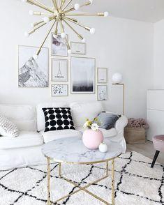 Auffällige Lampe Für Das Wohnzimmer Natursteine, Wohnzimmer Ideen,  Bilderwand, Wohnraum, Kommode,