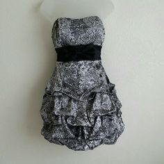 """Black and silver prom, cocktail dress by Ruby Rox Beautiful! This dress is just the right length at 3-1/2"""" to 4-1/2"""" above the knee depending on your height. The dress is loosely estimated to be 26"""" long, from top to bottom Ruby Rox Dresses Prom"""