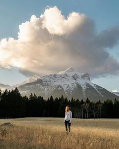 Quin Schrock aka Ever Changing Horizon is a talented photographer and adventurer based between Temecula, California and Waialua, Hawaii. Hiking Photography, Landscape Photos, Mount Rainier, Adventure Travel, The Good Place, Cool Photos, Mountains, Crows, Places