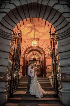 30 James Street Wedding. Archway entrance. Photography by Matthew Rycraft