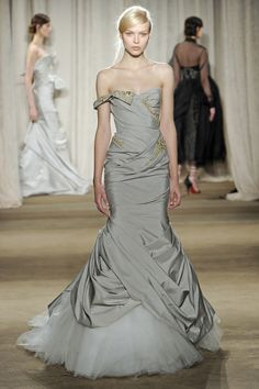 04eaef5d17e I love the draping on this Marchesa gown. Glamour