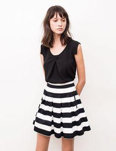 Noire courte Jupe plissée BlancheJupe PlisséeChemisier blanche Jupe noire Et et uPOkXZTi