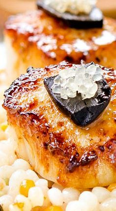Seared Scallops with Lime Black Garlic Sauce… Garlic Recipes, Fish Recipes, Seafood Recipes, Cooking Recipes, Cooking 101, Kitchen Recipes, Seafood Dishes, Fish And Seafood, Canned Blueberries