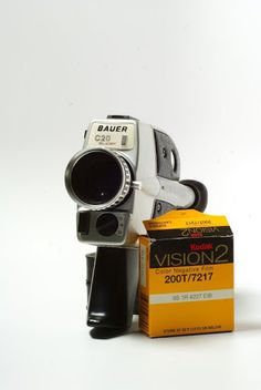 German Made super 8 Film Movie Camera   Camara Super 8 Bauer C20 Tres velocidades de cuadro: 12, 18, y 24.     $150 US
