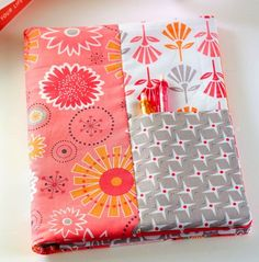 Bee In My Bonnet | Notebook cover with pockets tutorial | #easysewingprojects #bookcover