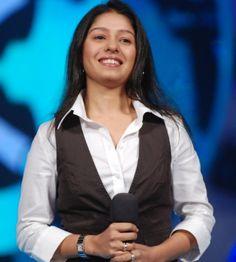 Sunidhi Chauhan Sunidhi Chauhan, Wallpaper Pictures, Hottest Photos, Bollywood, Rain Jacket, Windbreaker, Indian, Divas, Singers