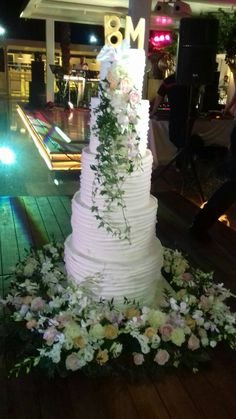#lesfleuristes #ανθοπωλειο #γαμος #νυφη #διακοσμηση #λουλουδια #δεξιωση #ανθοστολισμος Cake, Pie, Mudpie, Cakes, Torte, Tart, Pies