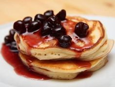 Clătite americane (pancakes) Griddle Cakes, Crepe Cake, Cookie Time, Mille Crepe, Cookie Desserts, Something Sweet, Crepes, Meal Planning, Pancakes