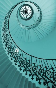 Staircase - beautiful, spiral, cool aqua blue, reminds me of a seashell Tiffany Blue, Azul Tiffany, Shades Of Turquoise, Turquoise Color, Shades Of Blue, Turquoise Jewelry, Color Menta, Mint Color, Take The Stairs