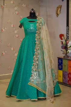 Beautiful sea green color floor length dress with ivory net dupatta from Saree Gown, Frock Dress, Anarkali Dress, Anarkali Suits, Punjabi Suits, Indian Anarkali, Lehenga Blouse, Dress Skirt, Indian Designer Outfits