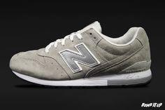 New Balance 996 For Men Sizes: 40.5 to 46.5 EUR Price: CHF 160.- #NewBalance #NewBalance996 #NB996 #Sneakers #SneakersAddict #PompItUp #PompItUpShop #PompItUpCommunity #Switzerland