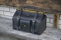 Items similar to Medium Size Doctor Bag Genuine Black Leather on Etsy Brown Leather, Men's Leather, Classic Leather, Safari Chic, Handbags For Men, Frame Bag, Leather Briefcase, Leather Fashion, Travel Bags