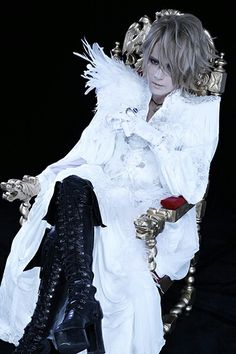 KAMIJO (ex-Lareine,ex-Versailles, solo Artist)