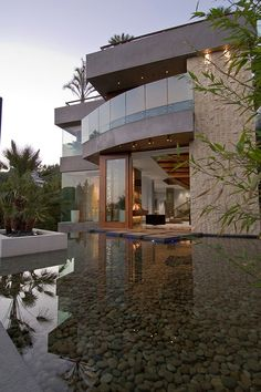 Will and Laurel's residence in the Hollywood Hills.