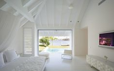 Valuvalu House by Crosson, Clarke, Carnachan Architects 03 Aluminium Joinery, Villas, Bedroom Sitting Room, Las Vegas Homes, Timber House, Open Plan Living, Pool Houses, Luxury Villa, Luxury Real Estate