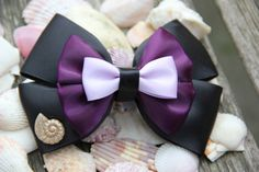 Ursula Hair Bow by DumbowShoppe on Etsy Ribbon Hair Bows, Diy Ribbon, Ribbon Crafts, Disney Hair Bows, Disney Dress Up, Princess Hair Bows, Handmade Hair Bows, Let Your Hair Down, Bow Tutorial