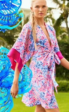 You're known for your show stopping ensembles. At every event, it is everyone's expectation that you will top your last great outfit. Seems impossible, doesn't it? Not with this season's Kimora Dress. Gracefully dramatic, this kimono dress is your new look that will get everyone talking. But that's what you're best at, isn't it?
