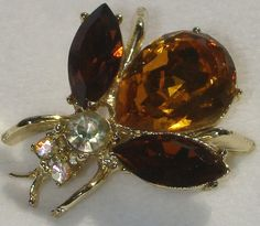 Vintage jewerly brooch in gold tone by DevineCollectible on Etsy, $25.00