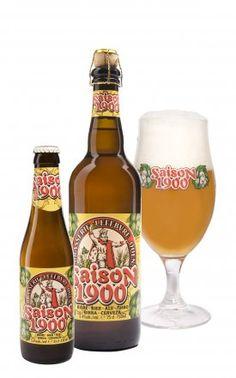 """Saison 1900 / Saison is een oud recept uit de Henegouwse traditie. Het werd gebrouwen door alle brouwerijen in het begin van de vorige eeuw. Als huldebetoon aan de stichter van de brouwerij, die de Saison brouwde voor de """"cayoteux"""" van de steengroeven in het dorp, werd het bier opnieuw gebrouwen vanaf 1982. Het is een goudkleurig bier met een indrukwekkende schuimkraag. Het aroma van hop is dominant met toetsen van bloemen, hars en kruiden.  De densiteit maakt het tot een bier voor de grote…"""