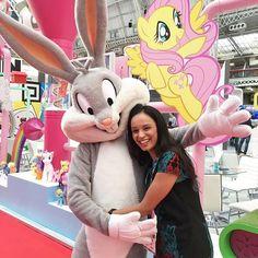 WHAT'S UP DOC?   #socialmediamarketing #socialmedia #socialmediatips #internetmarketing #digital #brandlicensingeurope #ble2016 #smile  #digitalmarketing #awesome #love  #instadaily #warnerbros #cuddles #hug #photooftheday  #selfpromo #engage #branding #brandawareness#brand #fun #shoutout #happy #me #entrepreneur #cute #swag #business #businesswomen
