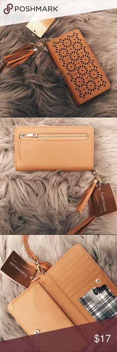 Francesca's Wallet (NEW!) Brand new wallet with tags, received as gift. Feel free to offer or bundle. If you have any other questions please dm me on instagram @skylanjohnson Also, please leave comments on what products you want to see in my closet 😊 Francesca's Collections Bags Wallets