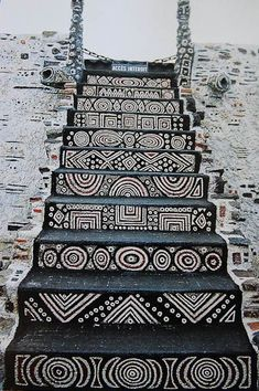 Staircase in the Robert Tatin Museum in Cossé-le-Vivien, France. Robert Tatin was a French artist and outsider-architect Stairway To Heaven, African Design, Tribal Art, Tribal Style, Stairways, Interior And Exterior, Interior Garden, House Design, Black And White
