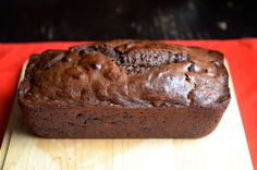 Recipe for Vegan Chocolate Banana Bread with cocoa powder and chocolate chips. Perfect for when you have no eggs or butter left! Chocolate Banana Bread, Vegan Chocolate, Chocolate Chips, Chocolate Cake, Desserts Menu, Vegan Desserts, Vegan Recipes, Popsugar Food, Baked Goods