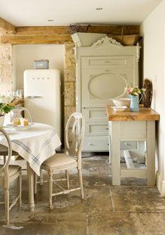 quaint cottagey kitchen
