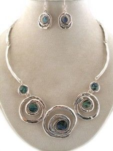 'Soo Chic Circles & Swirls Abalone Necklace & Earring ' is going up for auction at  1pm Thu, Aug 23 with a starting bid of $20.