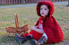 Girls Little Red Riding Hood Costume Cape & Tutu par ChiclyHooked
