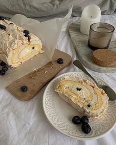 Yule Log Cake, Breakfast Dessert, Aesthetic Food, Sweet Recipes, Cravings, Good Food, Food Porn, Food And Drink, Baking