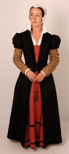 Meanwhile, what the regular people were wearing...An Elizabethan fitted gown for a middle-class (gentry) woman.